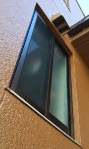 引き違い窓