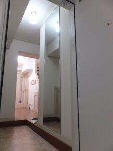 香芝市で、鏡の取り付け