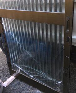 大和高田市ガラス修理交換